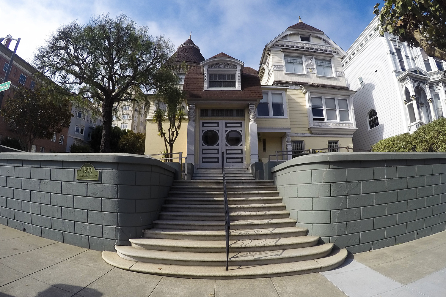 Top three most haunted houses in san francisco for Best homes in san francisco