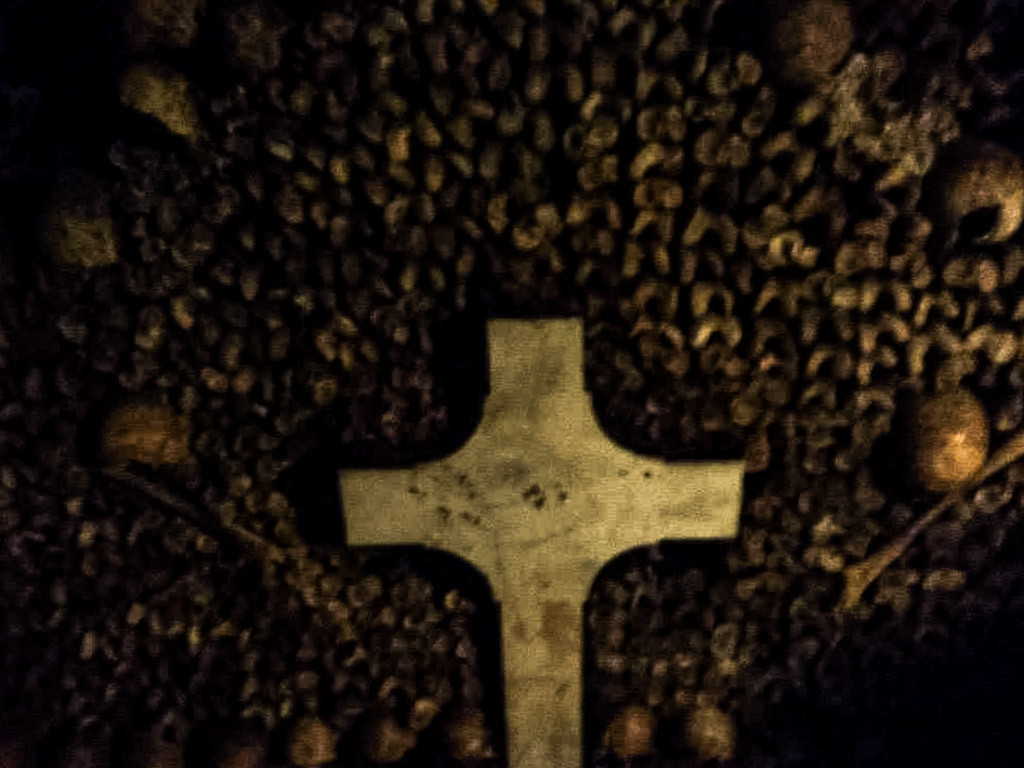 Cross in the Paris Catacombs.
