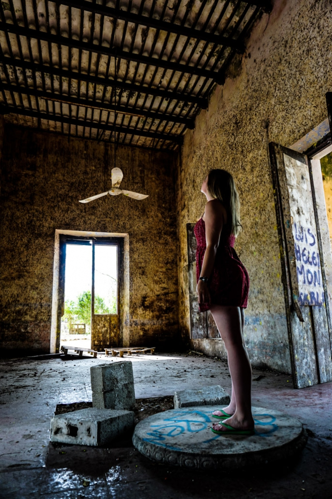 Urban Exploration of abandoned Mexican Ghost Town, Misnebalam.