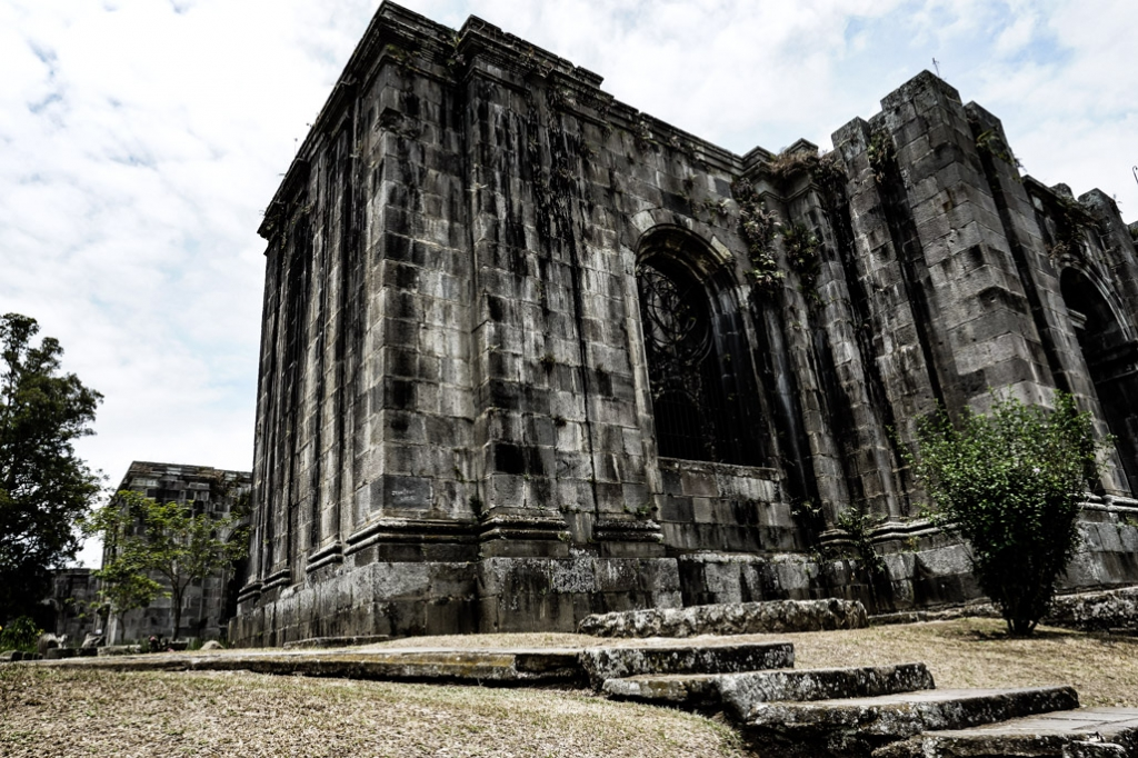 Church ruins that are haunted in Costa Rica, Cartago.