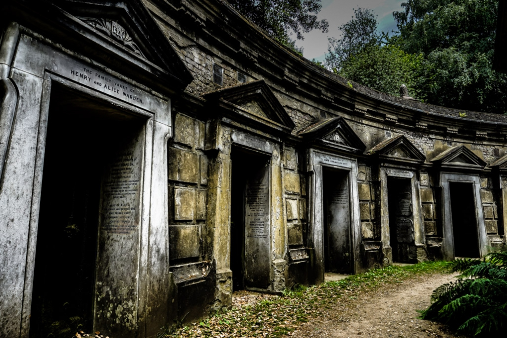 London Highgate mausoleums