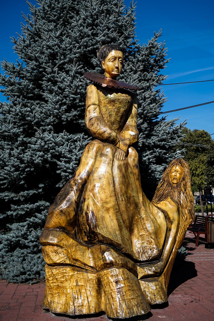 Elizabeth Bathory Blood Countess statue
