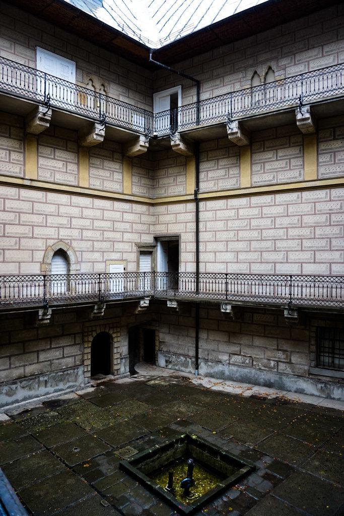 Courtyard of Houska Castle.