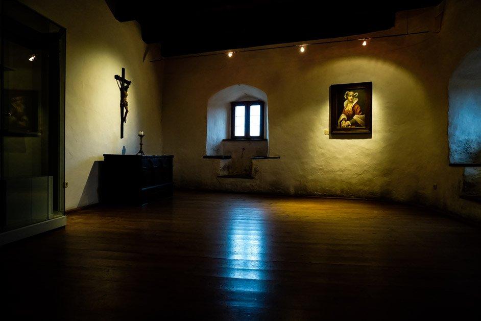 Klara Von Helfenstein haunted bedroom at Wolfsegg Castle.