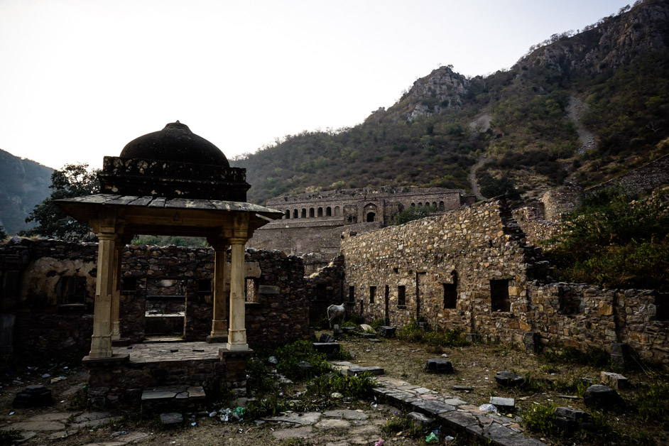 Bhangarh Fort in the distance.
