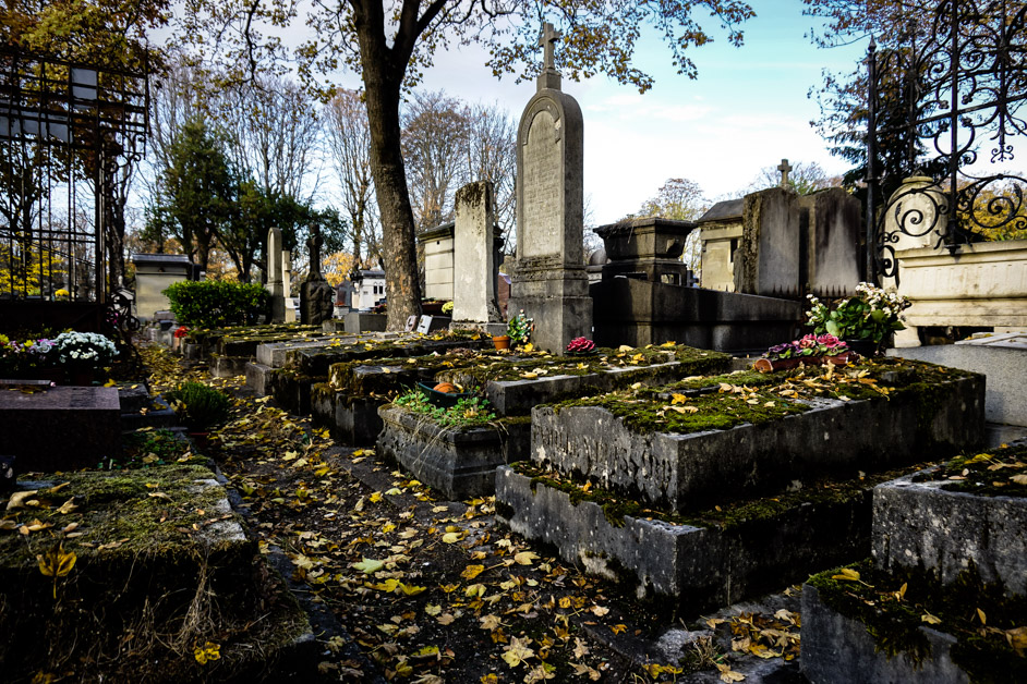 Haunted Cemetery in Paris - Pere Lachaise.