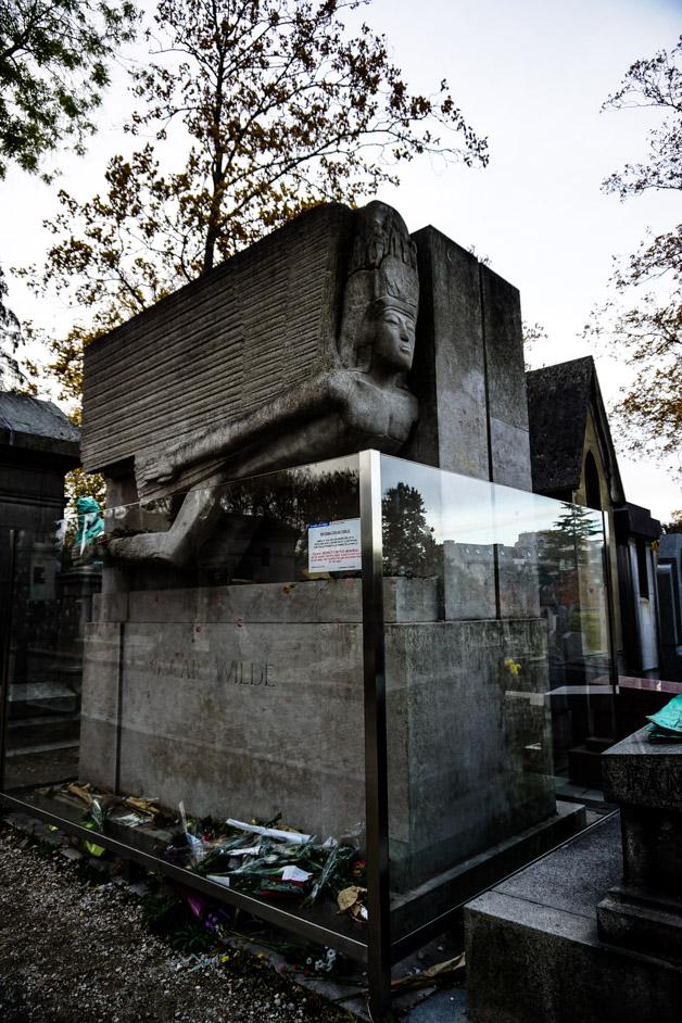 Oscar Wilde gravestone.