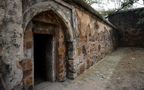 Bhuli Bhatiyari ka Mahal: Haunted Ruin in Delhi, India