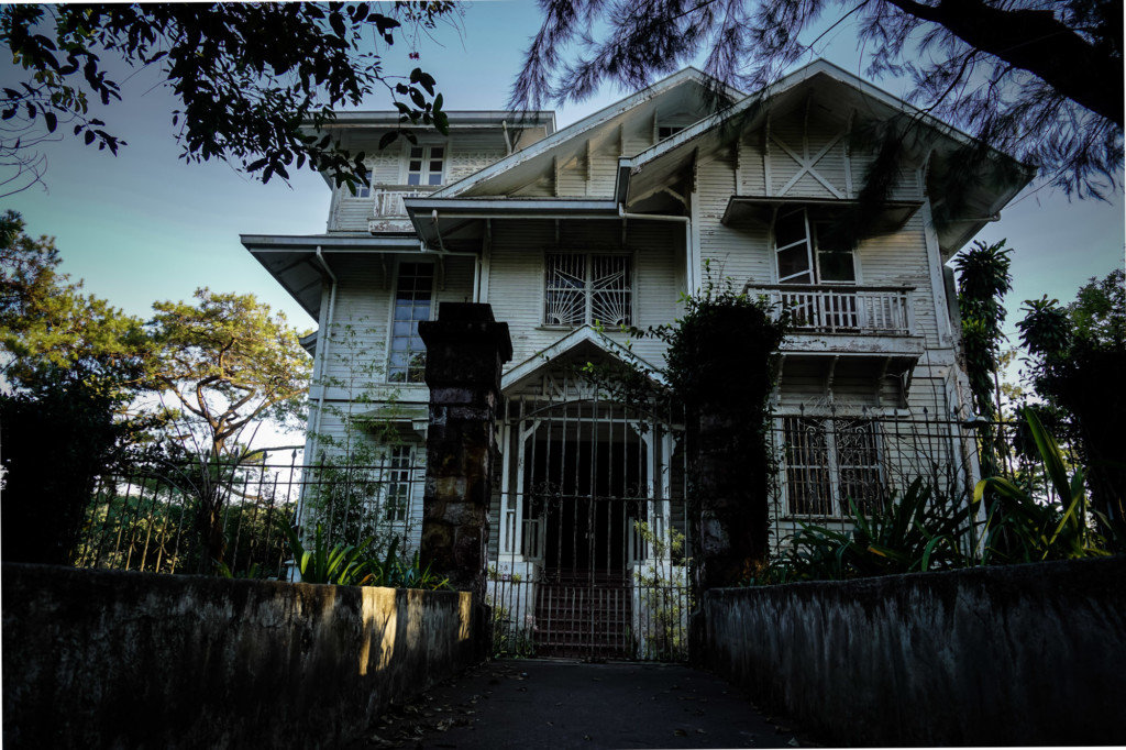 Haunted Laperal White House.