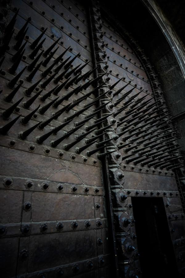 Metal spike adorning the Delhi Gate of Shaniwar Wada Fort.