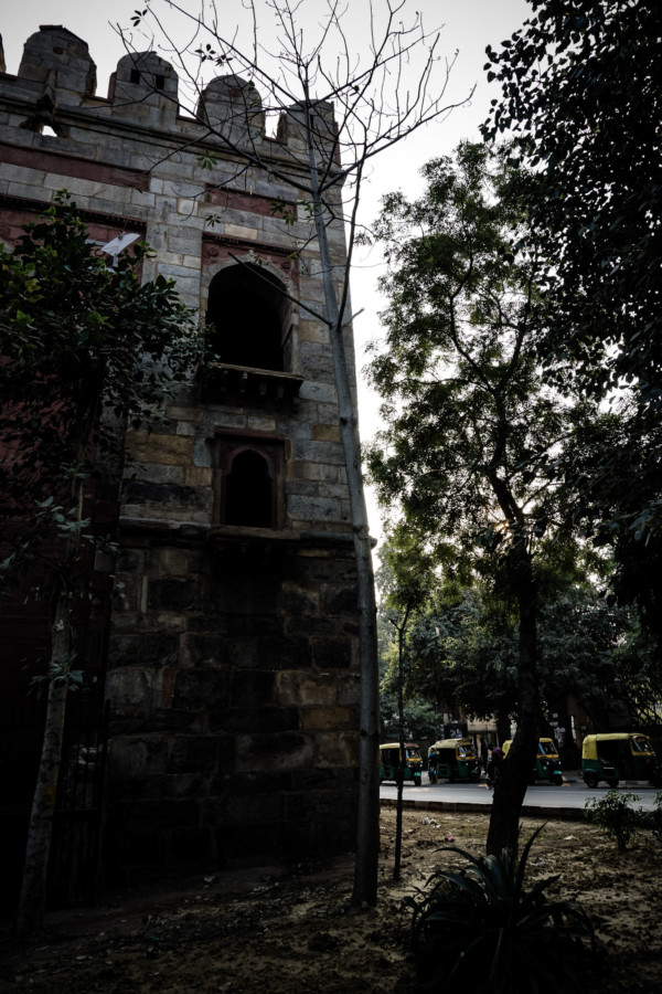 ghost stories of the Delhi haunted gate.