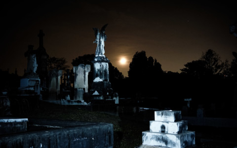 Haunted Toowong Cemetery: Ghosts and Vampires
