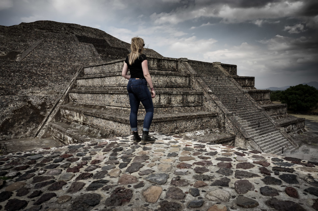 Is there a gateway to the Underworld beneath the Pyramid of the Moon at Teotihuacan?