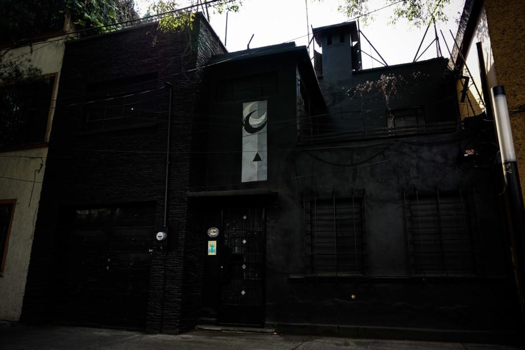 Black La Moira House, Mexico City.