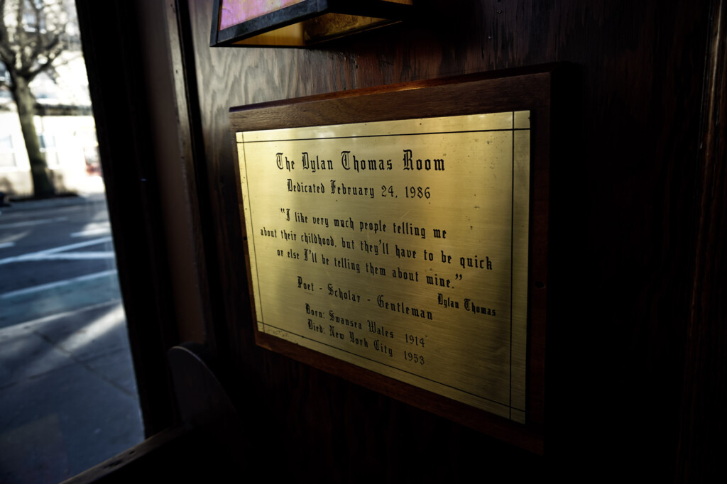 Room for Dylan Thomas in haunted pub.