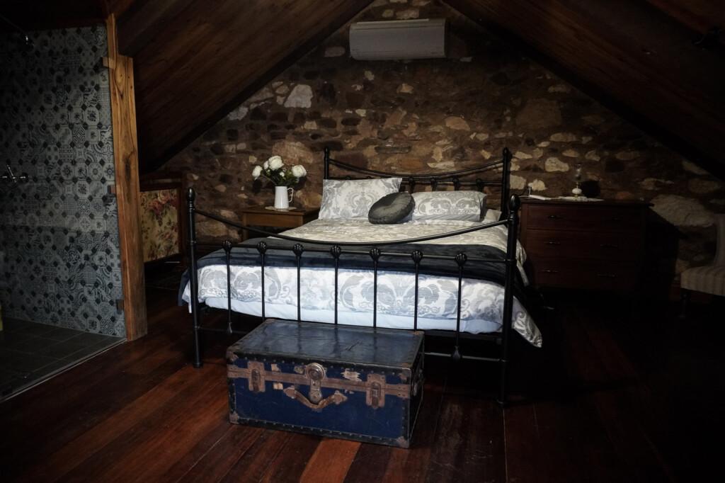Bedroom in loft of Bluey's.